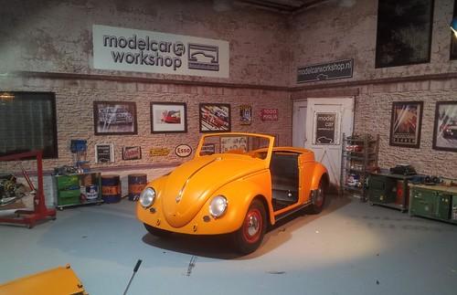 VW Beetle 1955 orange 1:12 | by www.MODELCARWORKSHOP.nl