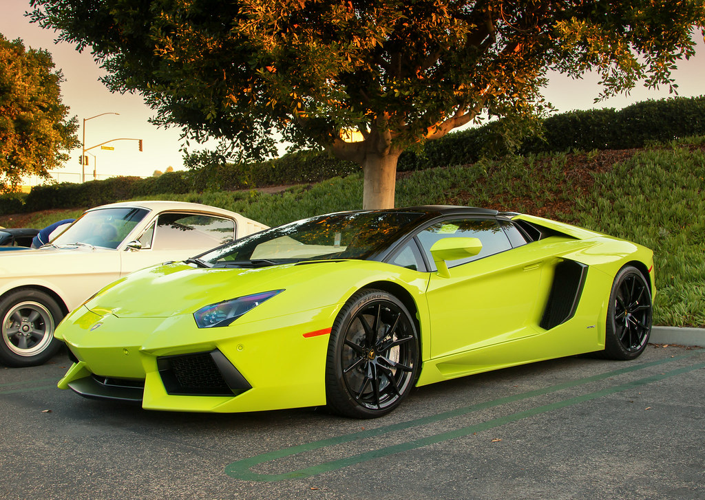 Neon Lamborghini Aventador Taken At Irvine Cars And Coffee Flickr