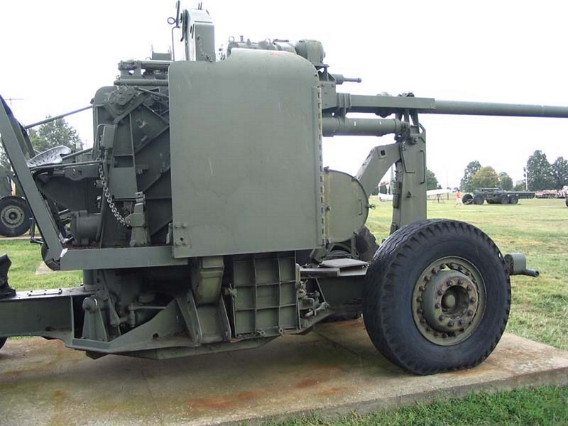 NAM 90 mm M2 protiletalski Pištolo 2