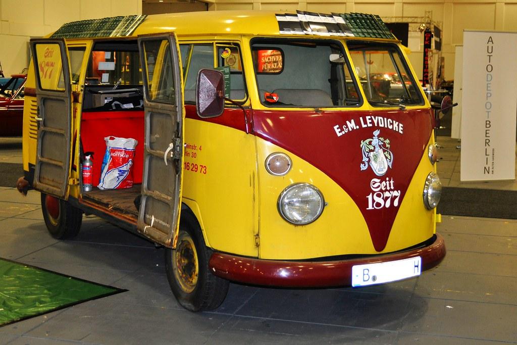 Volkswagen Type 2 T1 Model 241 Samba Bus (1959) | M-code / s