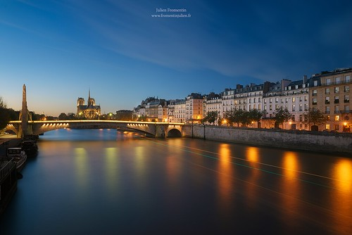 world city light sunset paris france art history monument seine digital photoshop canon french effects photography eos town photo europe long exposure flickr raw photographer view shot capital notredame full frame l 5d manual capitale fullframe dslr quai ff dri hdr ville parisian francais città blending lightroom photographe effets 2014 1635 mark3 markiii parisien 1635mm photomatix canonef2470mmf28l fromentin fromus colocación cuida a7r traitements metabones fromus75 fromentinjulien canone1635mmf4liiusm