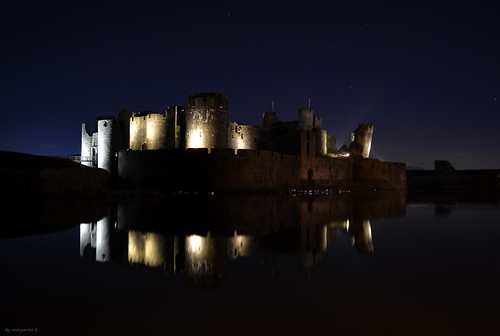 sky reflection castle water southwales night reflections dark stars landscape lights nikon long exposure nightscape slowshutter caerphilly d5200