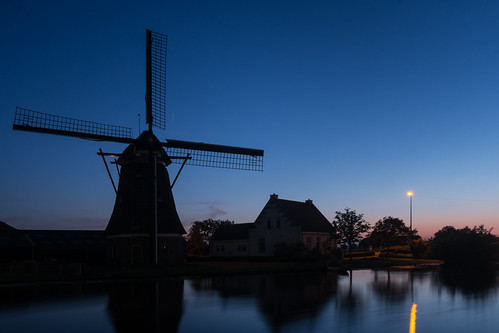 52weeksof2016 avond blauweuur blauweuurtje bluehour evening gaag house huis lamppost lantaarnpaal molen nederland reflectie reflection schipluiden spiegeling windmill windmolen zuidholland