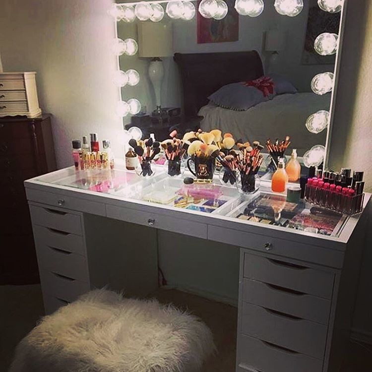 Vanity/beauty space life goals. This is my dream, I just d…   Flickr