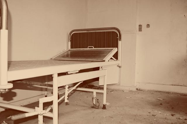 Le lit abandonné