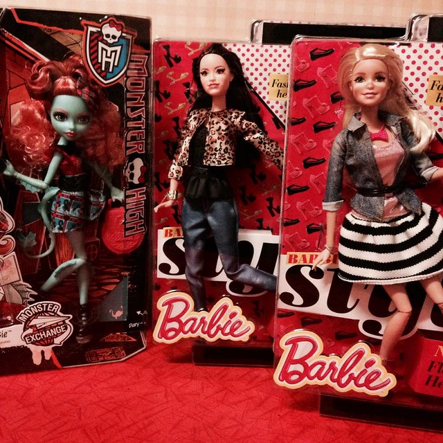 Did I forget to show you my new dolls ? :o