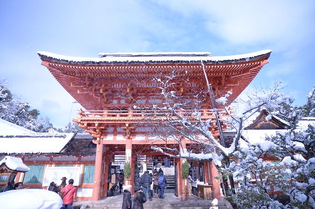 雪化粧の上賀茂神社