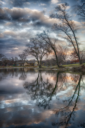 park trees sunset sky usa house lake cold colors beautiful clouds illinois amazing riverside walk bluesky reflexion berwyn lyons beautifulday skycolors