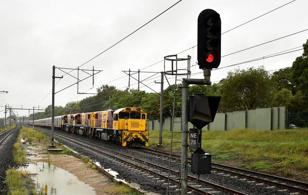 28 December 2014 - Last Northbound Sunlander - Queensland Rail by westernthunderer