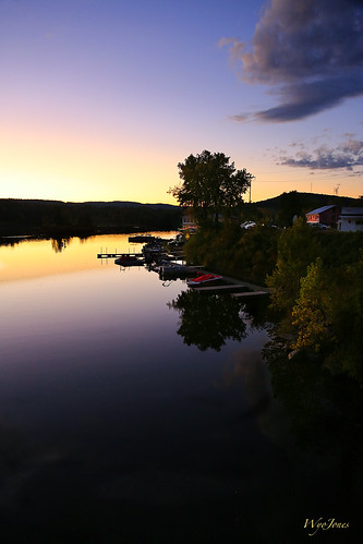 sunset tree marina buildings reflections river boats restaurant vermont junction np brattleboro connecticutriver westriver wantastiquet windhamcounty wyojones watersofthelonelyway