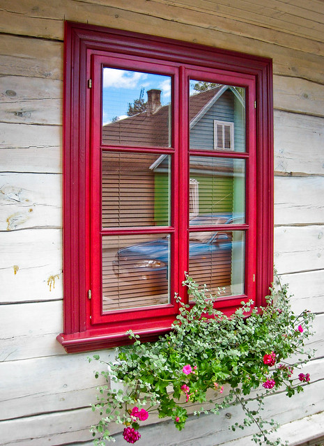 Red window, Trakai