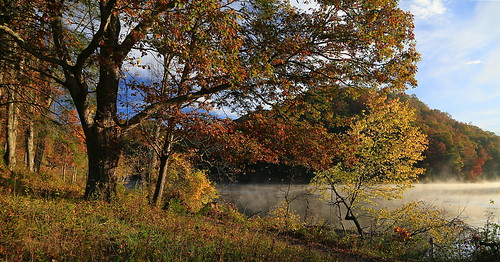 statepark autumn mist lake fall nature canon landscape eos virginia fallcolors scenic marion fallfoliage 6d hungrymother