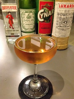 Yeomen Warder (Phil Ward) with Beefeater gin, Dolin dry vermouth, Cynar, maraschino liqueur | by *FrogPrincesse*