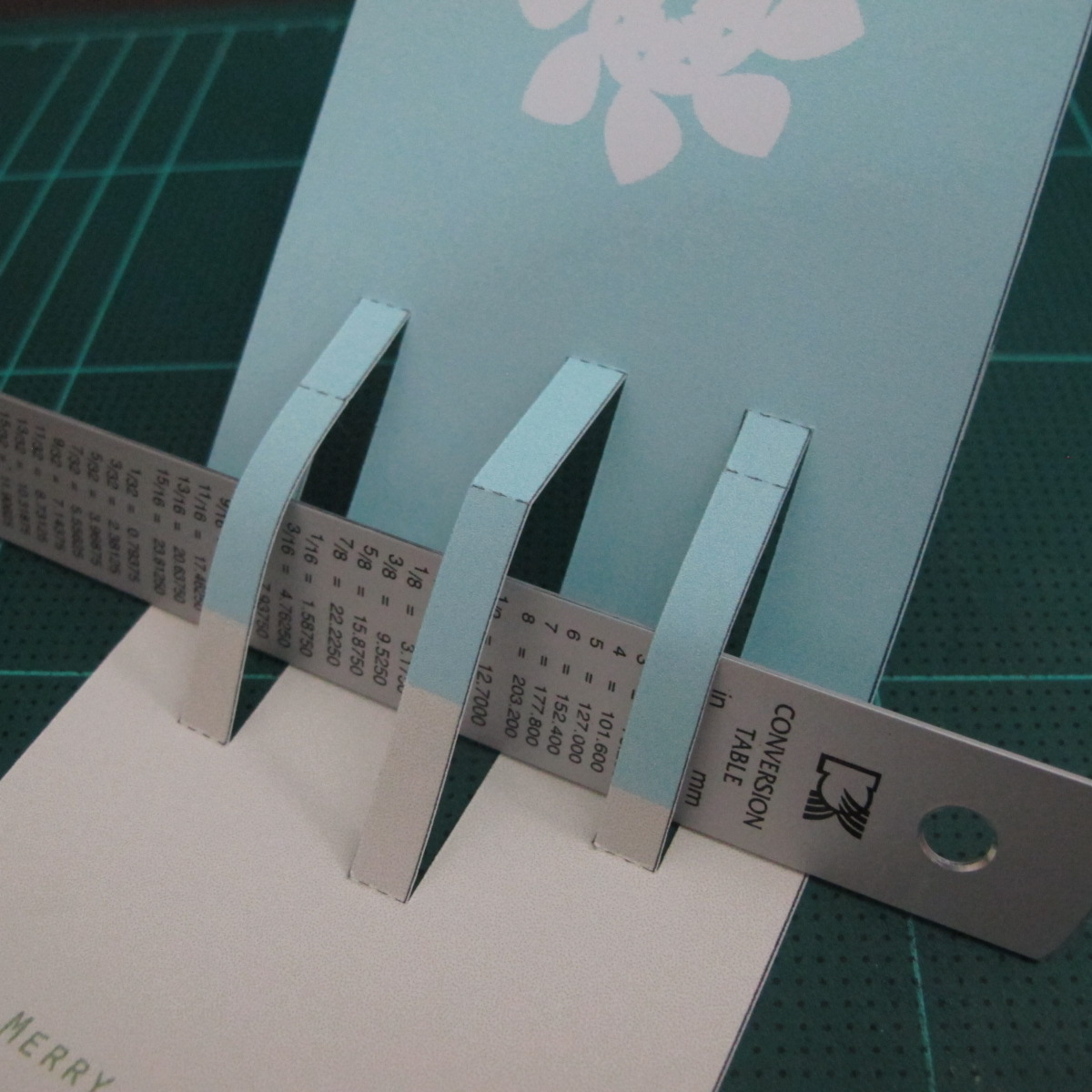 การทำการ์ดอวยพรลายต้นคริสต์มาสแบบป็อปอัป (Card Making Christmas Trees Pop-Up Card Template) 004