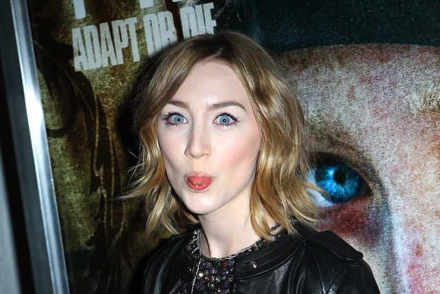 Saoirse Ronan Celebrity Make Funny Face HD Wallpaper - Stylish HD Wallpapers