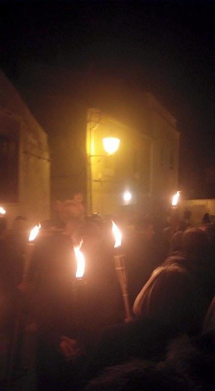 (2015-03-27) - VI Vía Crucis nocturno - Alberto Montesinos Villaplana (01)