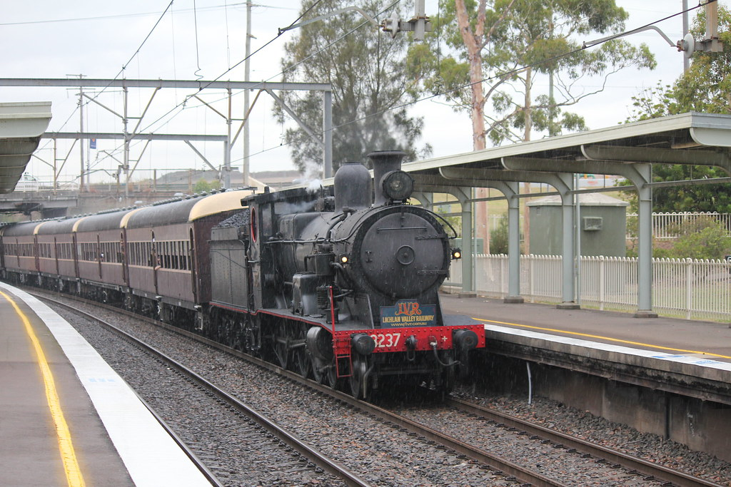 3237 silent approach - Cockle Creek by james.sanders2