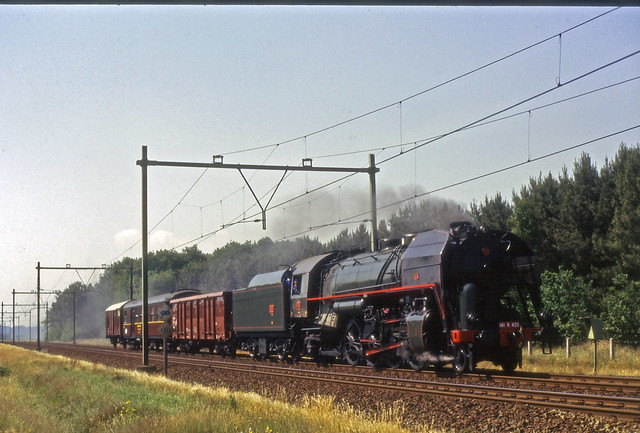 1989-06-20 SNCF 141R420 met trein op weg naar NS 150 Nispen