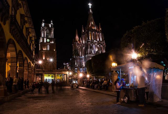 The Jardín at Night