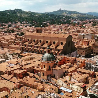 Bologna la rossa #italy #redroof #ontheroof #bologna #church #view #ontop | by Scalino