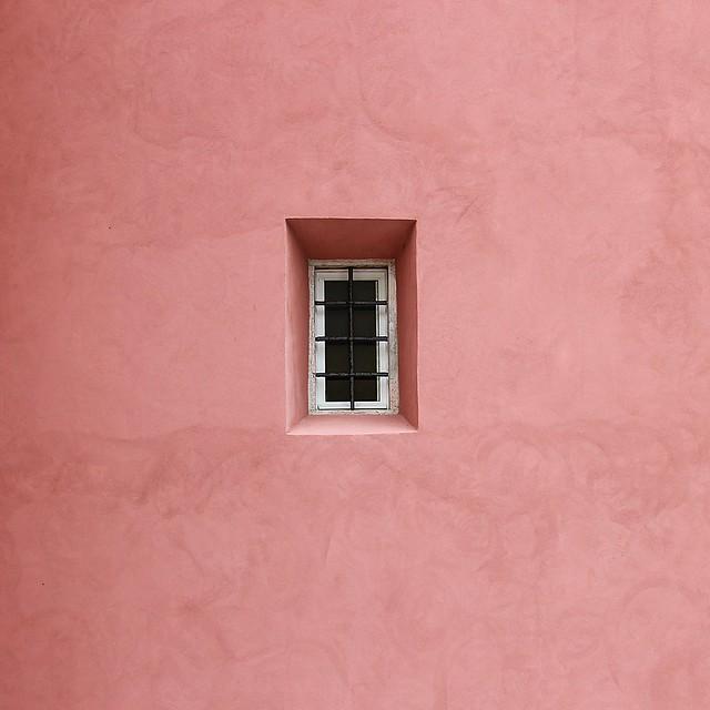 Minimalism in pink!