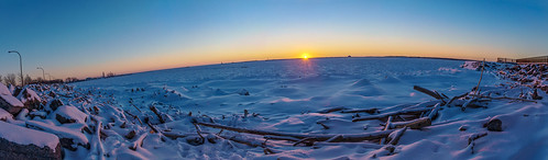 winter sunset panorama sun lake newyork ice harbor frozen twilight buffalo lakeerie pano sunsets rays buffalony curve sunrays sunbeams westernnewyork westernny buffalonewyork outerharbor earthscurve harborsunset bordeleau frozenlakeerie buffaloouterharbor frozenlakeeriesunset outerharborpanorama outerharborsunset