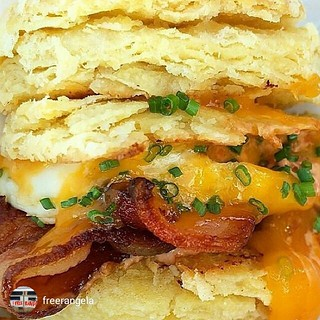Another #yummy repost of @freerangela! #Breakfast is on the block! 801 N. Fairfax #freerangela  7am-11:30am #eggs #bacon #foodporn #freshfood | by L.A. Foodie