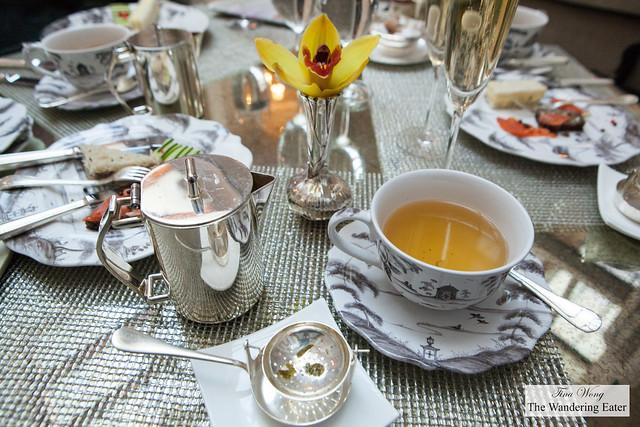 My cup of white tea (Pai Mu Tan and Melon)