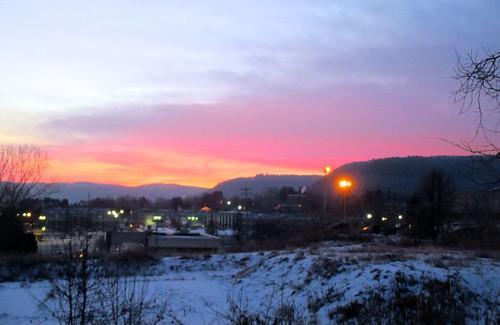 morning winter snow newyork colors sunrise vestal appalachianmountains temperature13c ahobblingaday temperature7f