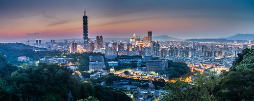 city longexposure sunset urban panorama building horizontal skyline clouds skyscraper canon landscape spring glow cityscape outdoor taiwan nopeople 101 taipei nightscene taipei101 台灣 風景 afterglow 台北101 capitalcity 1635mm 虎山 霞光 雲隙光 流雲 canoneos5dmarkiii