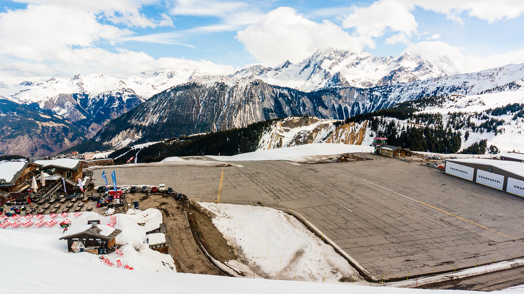 Courcheval Airport