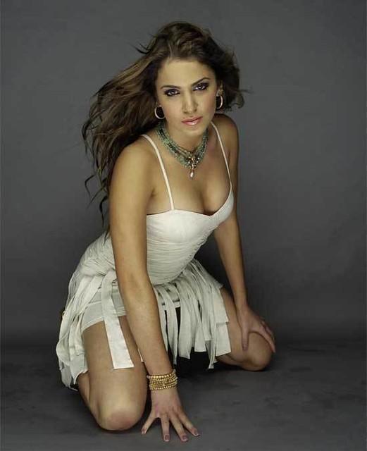 Nikki Reed Sexy