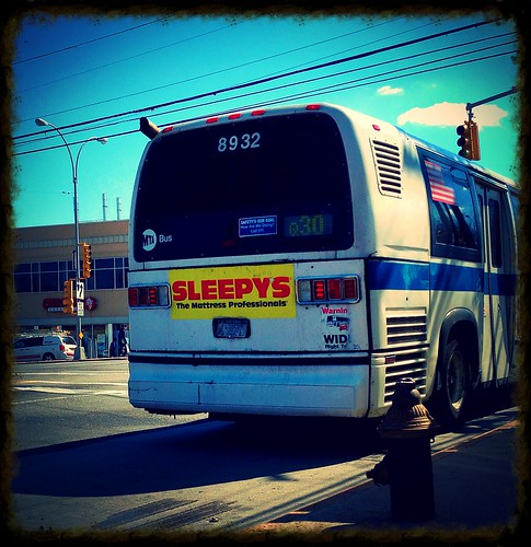Q30: NovaBus RTS-06 - MTA/NYCT Bus #8932 – Union Tpke/Utopia Pkway, Queens, New York. | by Esoteric_Desi