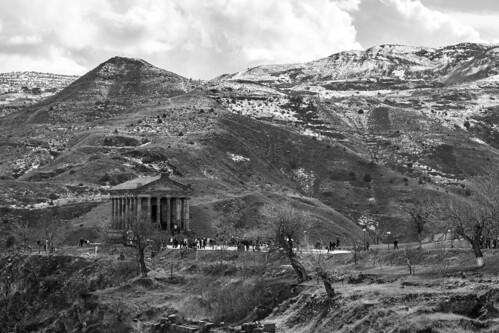 old bw snow mountains history monochrome landscape temple spring noiretblanc armenia pagan garni kotayk գառնի armenianhighlands սեւճերմակ լեռնաշխարհ տաճառ