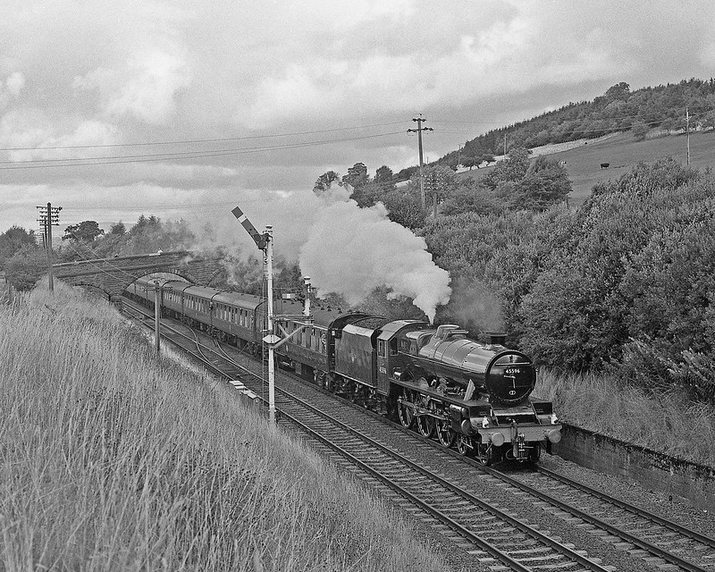 45596  with a midweek FSS CME. Collection boxes were later to appear at Ais Gill that day for donations from photographers towards the cost of repainting the POB into maroon. On hire from 34092 the vehicle was previously green.