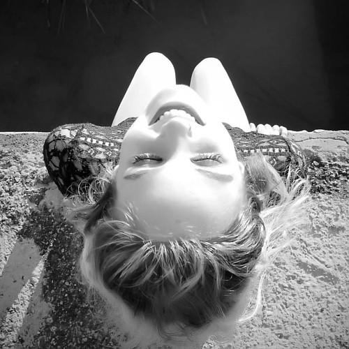 Smile is the answer that beautifies life.  La sonrisa es una respuesta que embellece la vida. | by TONI KARTANFLAT