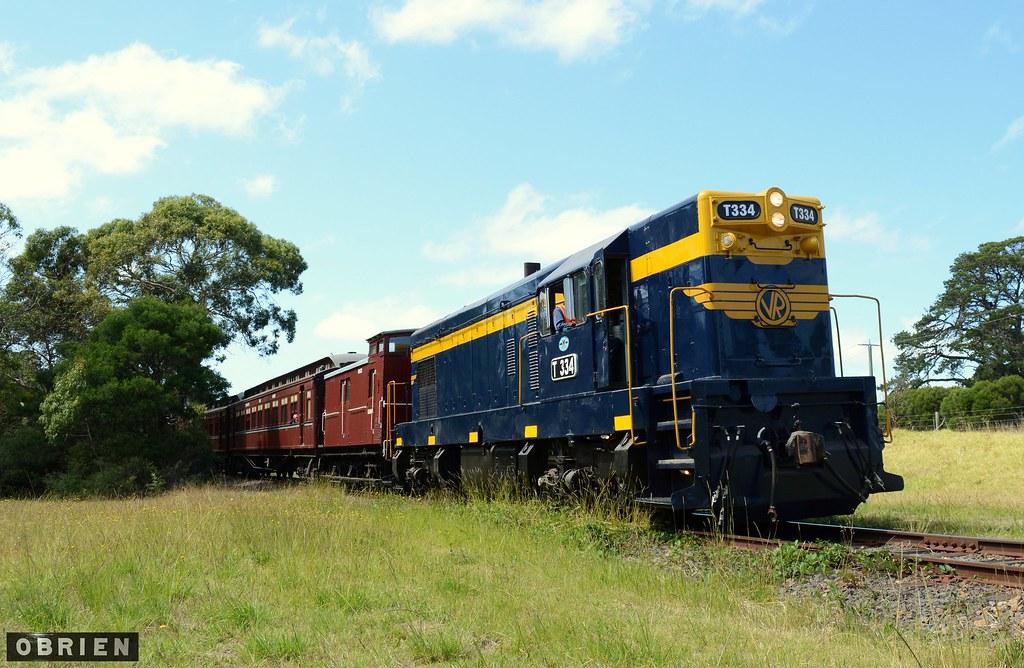 Mornington Railway by Dave O'Brien
