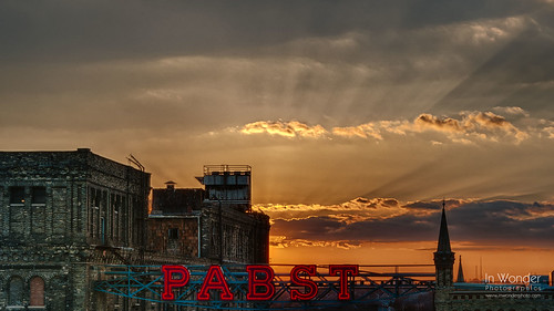cityscape pabst brewing company milwaukee wisconsin sunset neon landscape architecture nikon markadsit contestwinner wisconsinstatehistoricalsociety