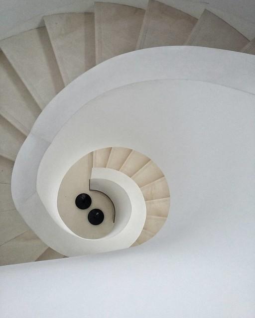 #kraków #polska #poland #architect #arquitetapage #archilovers #architecture #architecturelovers #artfinder #archdaily #architecturephotography #dezeen #design #architektur #architecturalphotography #stairs #designer #perspective #staircase #spiral #down