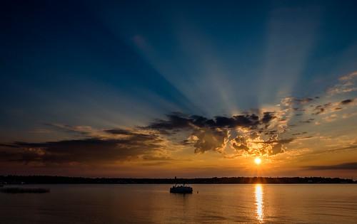 rays sunrays peaceful sunrise calm stjamesharbor nature dawn serenity sky mi landscape water beaverisland clouds michigan unitedstates us