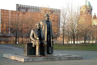 Berlin, Marx & Engels-058p