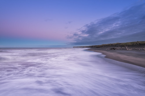 longexposure newzealand seascape clouds sunrise blacksand wideangle driftwood nz westcoast sanddunes taranaki patea leefilters nikond800 manabay lee09nd lee06gndhard nikkor160350mmf40 solmetageotaggerpro2