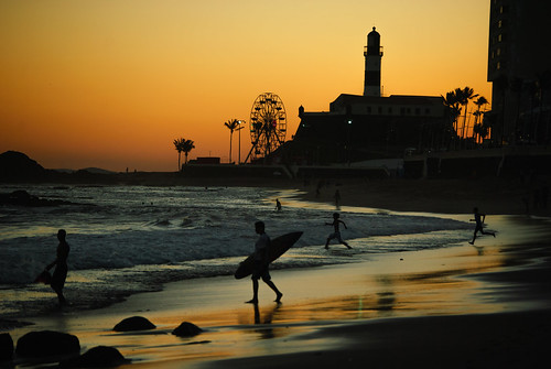 sunset brazil lighthouse luz sol brasil contraluz mar surf laranja bahia salvador farol barra cor tarde forte oceano entardecer silhueta