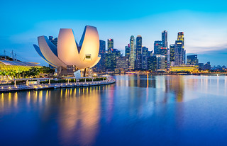 _MG_5541_web - ArtScience Museum and Marina Bay skyline, Singapore | by AlexDROP