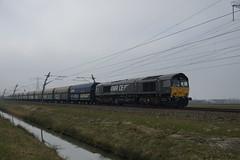 Rheincargo DE 684 (9280 1266 120-5 D-DISPO)  met volle kolentrein vanuit Amsterdam over de Betuweroute bij Angeren 20-03-2015