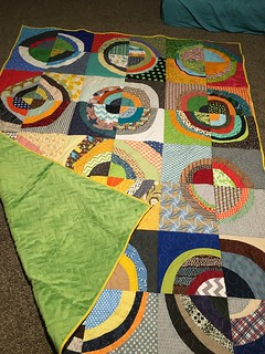 Wonky Circle Beejeebers Quilt