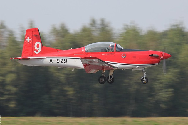 Swiss Air Force Pilatus NCPC-7 A-929 No 9 of the PC-7 team, Kleine-Brogel Belgian Air Force Days 2014