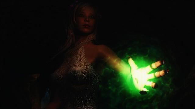 TESV - Green mood lighting