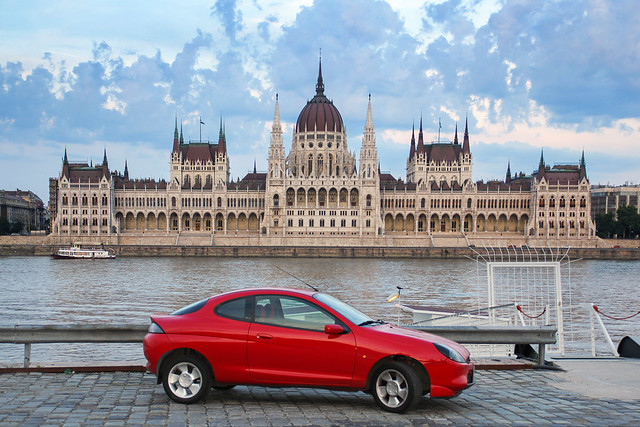 Ford Puma with the Parliament