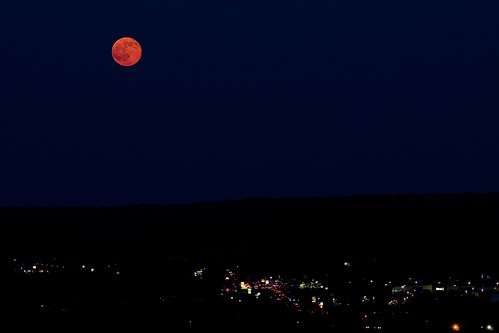 park new red summer moon haven june rock rising strawberry connecticut ct nh east full fullmoon solstice moonrise newhaven rise eastrock summersolstice eastrockpark strawberrymoon nikon70200f28 kenko14x nikond7000 kenkotelepluspro300dgx14x